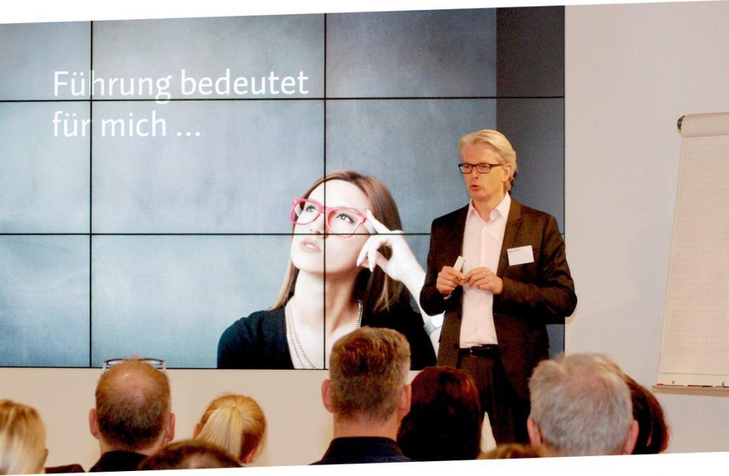 Christoph Bauer, Vortrag